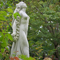 171005_山梨県立フラワーセンター「ハイジの村」_女神像_F171005G2266_MZD60M_X8Ss