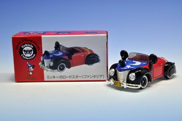 タカラトミー_トミカ-TOKYO DISNEY RESORT Vehicle Collection ミッキーのロードスター(ファンタジア)_006