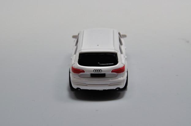 写真: ダイドー-KYOSHO_SUV DREAM COLLECTION BIG PULLBACK MODELA Audi Q7_005