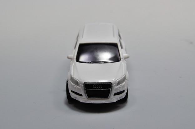 ダイドー-KYOSHO_SUV DREAM COLLECTION BIG PULLBACK MODELA Audi Q7_004