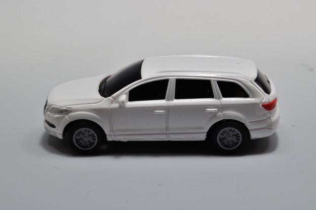 写真: ダイドー-KYOSHO_SUV DREAM COLLECTION BIG PULLBACK MODELA Audi Q7_003