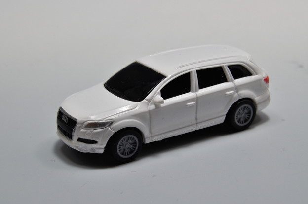 写真: ダイドー-KYOSHO_SUV DREAM COLLECTION BIG PULLBACK MODELA Audi Q7_001