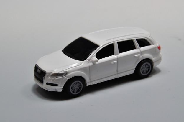 ダイドー-KYOSHO_SUV DREAM COLLECTION BIG PULLBACK MODELA Audi Q7_001