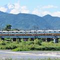 酒匂川を渡る電車