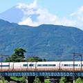 夏の顔の富士山とVSEロマンスカー
