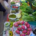 写真: チュムポーン(タイ)の青果市場