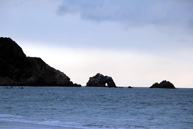 伊良湖日出の石門