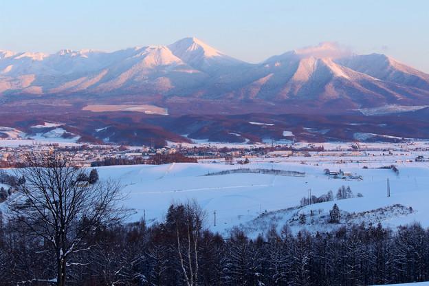 夕染めの雪山2