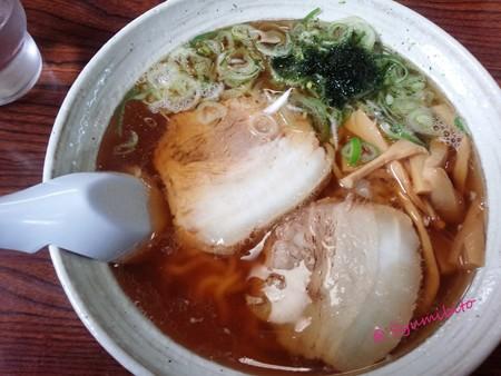 ほとり 醤油ラーメン (太麺)