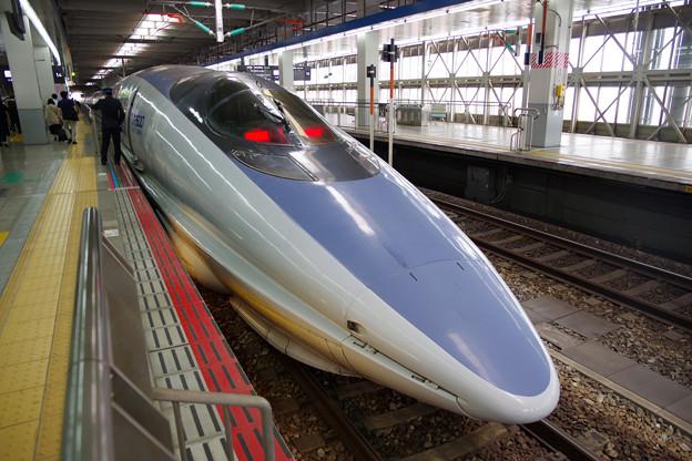 博多駅にて かっこいい新幹線