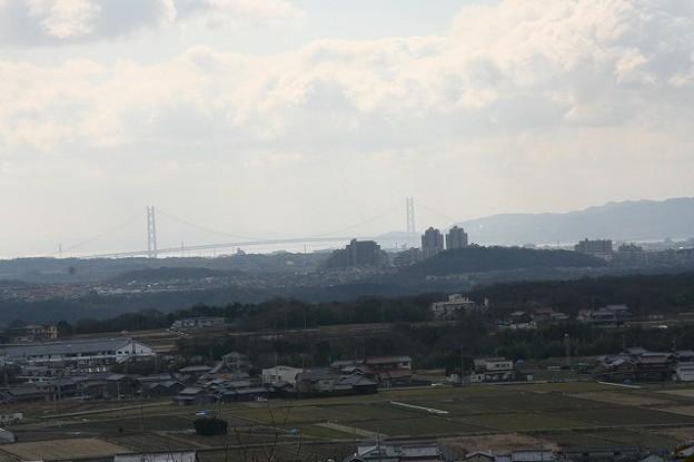 明石大橋遠望(明石市内の高台から)