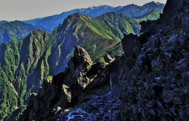 写真: 稜線歩きは楽しい