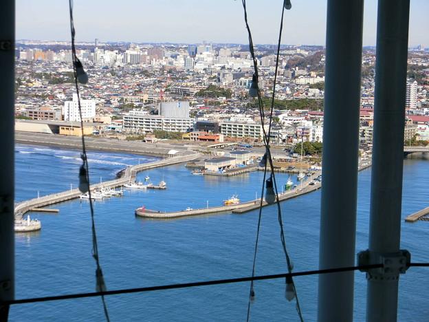 江ノ島シーキャンドルから片瀬漁港