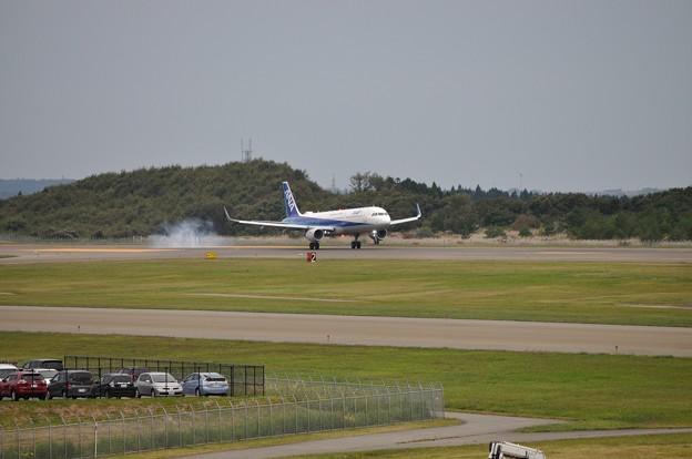 ANA A321ceo 秋田空港 17-10-06 15-03