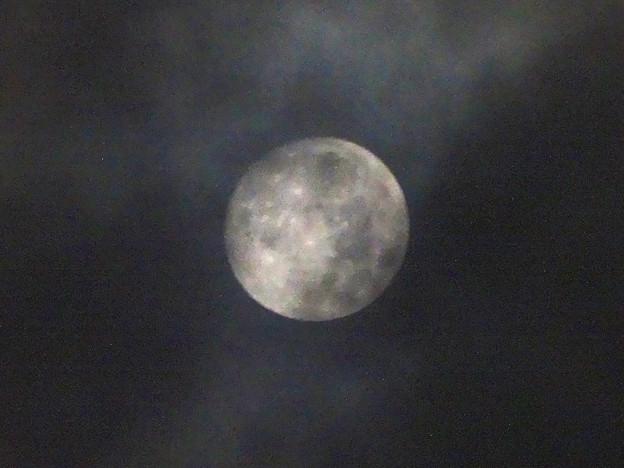 雲間から見えた「ミラクルムーン」(後の十三夜):月齢 12.66 No - 1