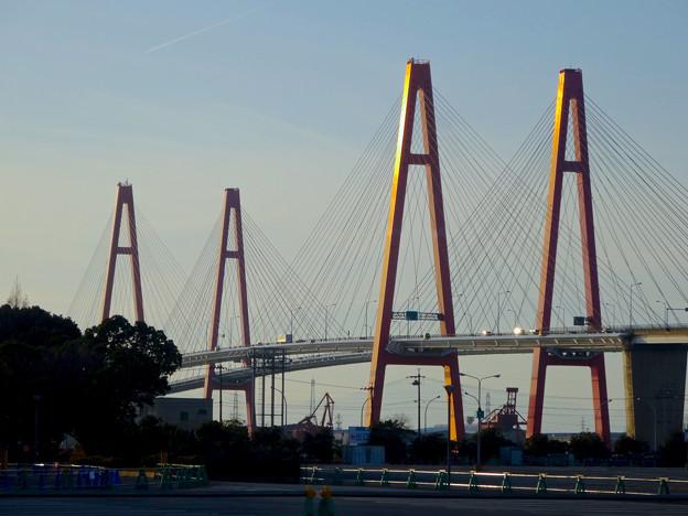 写真: ポートメッセなごやから見た「名港西大橋」 - 6