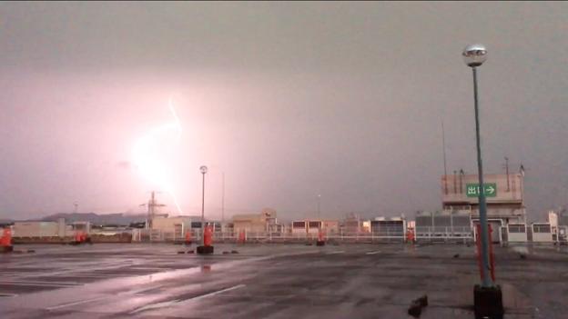 イオン小牧店屋上駐車場から撮影したスーパーセルの雷(2017年8月22日) - 49