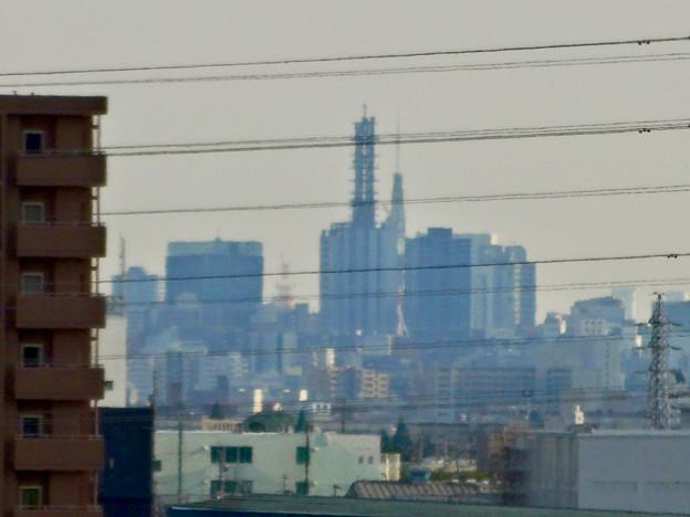 イオン小牧店屋上駐車場から見た景色 - 2:NTTドコモ名古屋ビルと名古屋テレビ塔