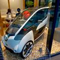 写真: 全面開業後最初の週末のグローバルゲート - 149:公道で市場走行できるトヨタの小型電気自動車「i-ROAD」