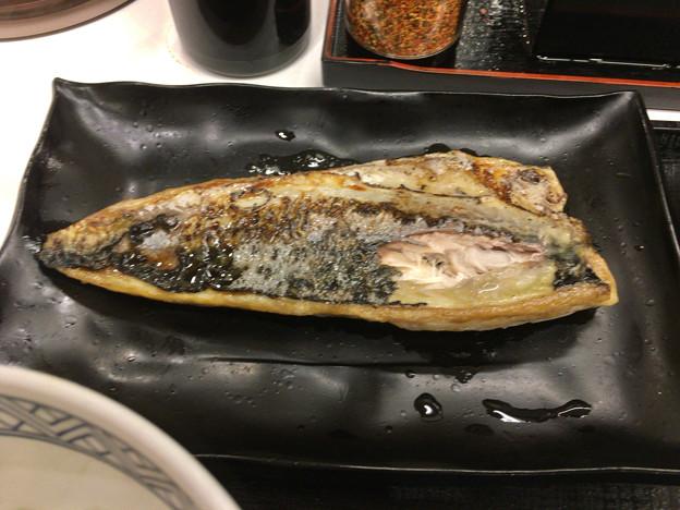 写真: 吉野家:炙り塩さば牛定食 - 2