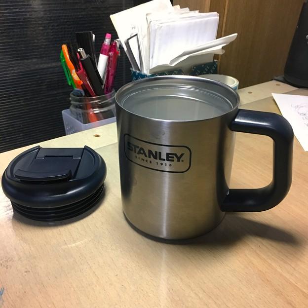 容量表記には「354ml」となってたけど、400ml入ったStanleyのマグカップ - 1