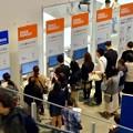 写真: オープン1ヶ月後でも大勢の人で賑わう「IKEA長久手」 - 73:入会案内コーナー