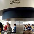 写真: オープン1ヶ月後でも大勢の人で賑わう「IKEA長久手」 - 76:2階にあるカフェ(ドリンクバー)