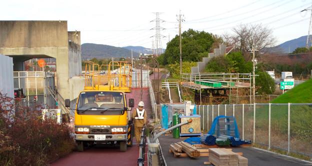 桃花台線の歩道上高架撤去工事(2017年11月17日):歩道上の高架の撤去が完了 - 6