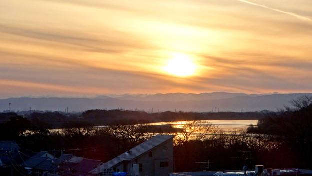 犬山丸の内緑地から見た、木曽川の向こうに沈む夕日 - 1