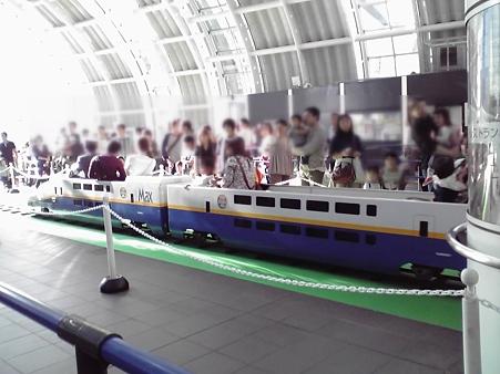 新都心駅に新幹線は停まりませんが
