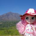写真: 有村溶岩展望所でブライスを撮る