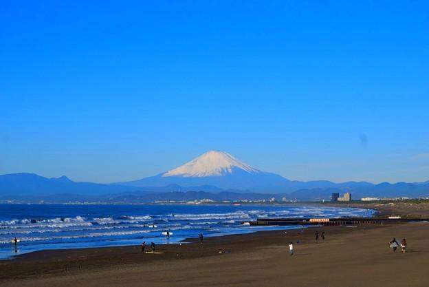 くっきり見える海越しの富士山 #湘南 #藤沢 #海 #波 #wave #surfing #fujisan #mtfuji #富士山