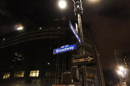 26日 NY-Manhattan Broadway!!