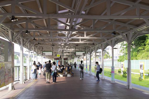 1-2番線ホーム [京王電鉄 多摩動物公園駅]