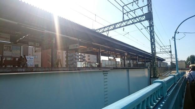 歩道橋から見たホーム [京王電鉄 高井戸駅]