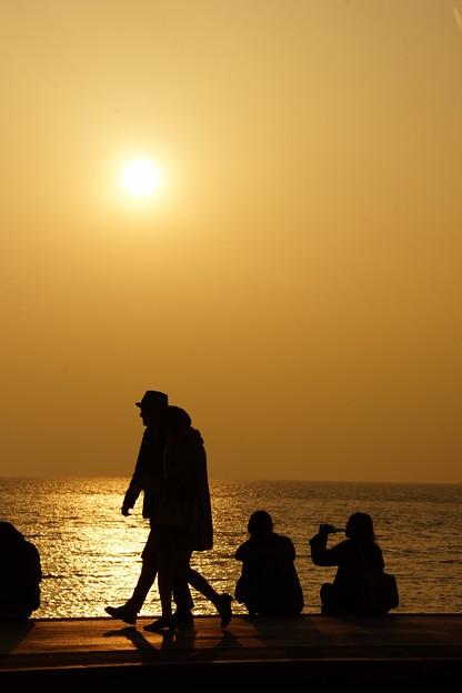 湘南海岸の夕暮れ