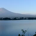 写真: 富士山與湖