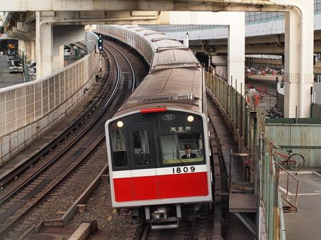 大阪市営地下鉄10系 御堂筋線西中島南方~中津02