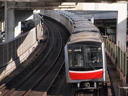 大阪市営地下鉄30000系 御堂筋線西中島南方~中津01