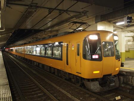 近鉄22000系特急 近鉄山田線宇治山田駅02