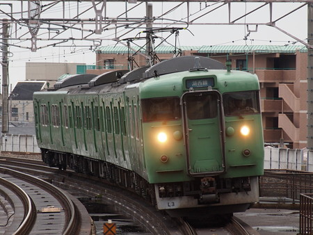 113系普通  湖西線大津京駅01