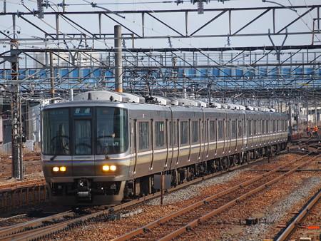 223系普通 東海道本線草津駅