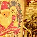 写真: 温かい出入り口 ~Santa & Snowman