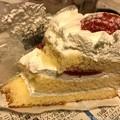 写真: Xmas過ぎても終わらないケーキ~もったいない断層~3分で消えた…