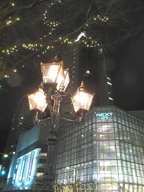 街角のガス灯