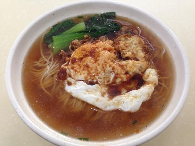 新しく出来た店の麺 目玉焼き付き 14-10-15 (5)