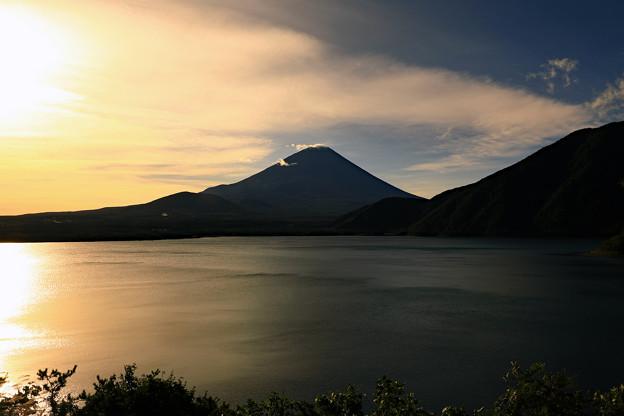 写真: 本栖湖にて
