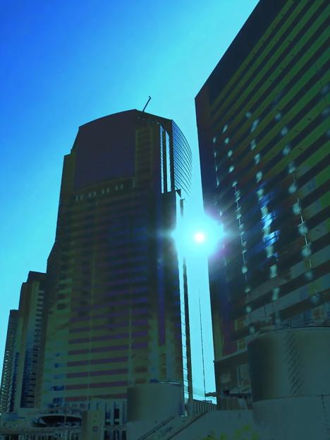 Metropolis_品川駅港南口界隈-03d