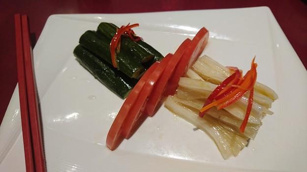 四五六菜館のキュウリと白菜