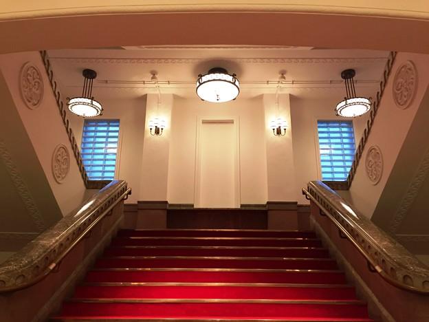 エントランスすぐの階段:MIRAIZA03